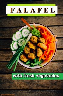 FALAFEL WITH FRESH VEGETABLES