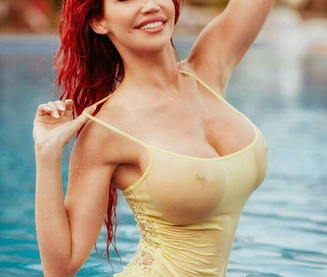 Hot Sexy Nude Women Water