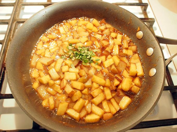 Pork-Chops-w-Drunken-Apples-n-Pears-5