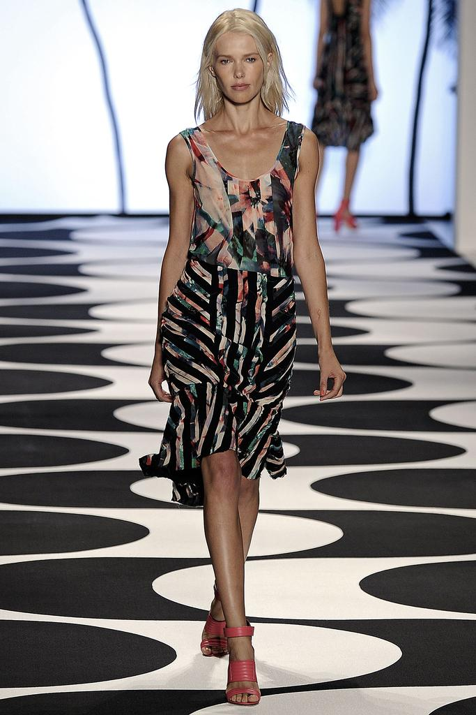 Nicole Miller Ready To Wear SS 2015 NYFW (4)