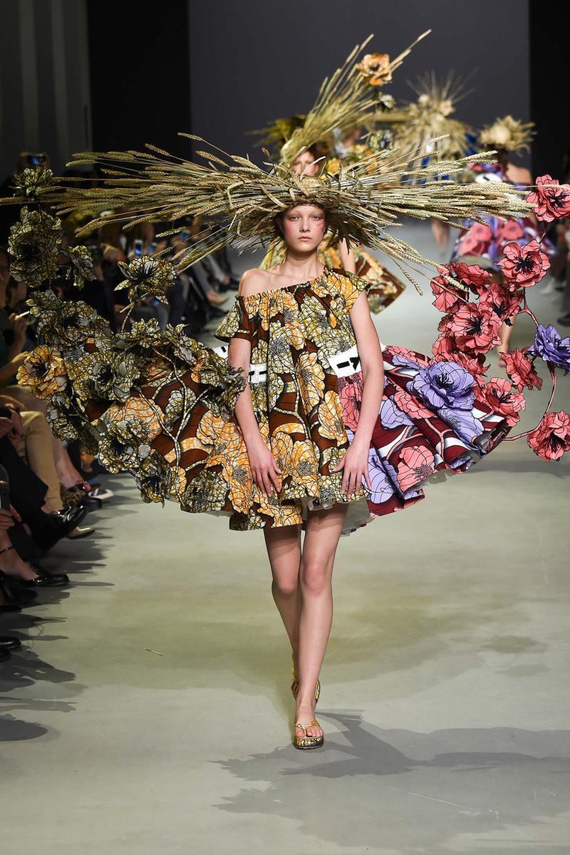 Viktor & Rolf Haute Couture SS 2015 Paris (18)