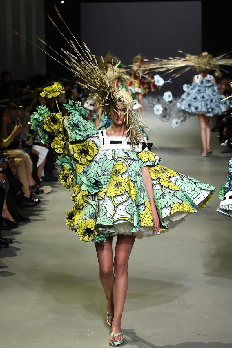 Viktor & Rolf Haute Couture SS 2015 Paris (8)