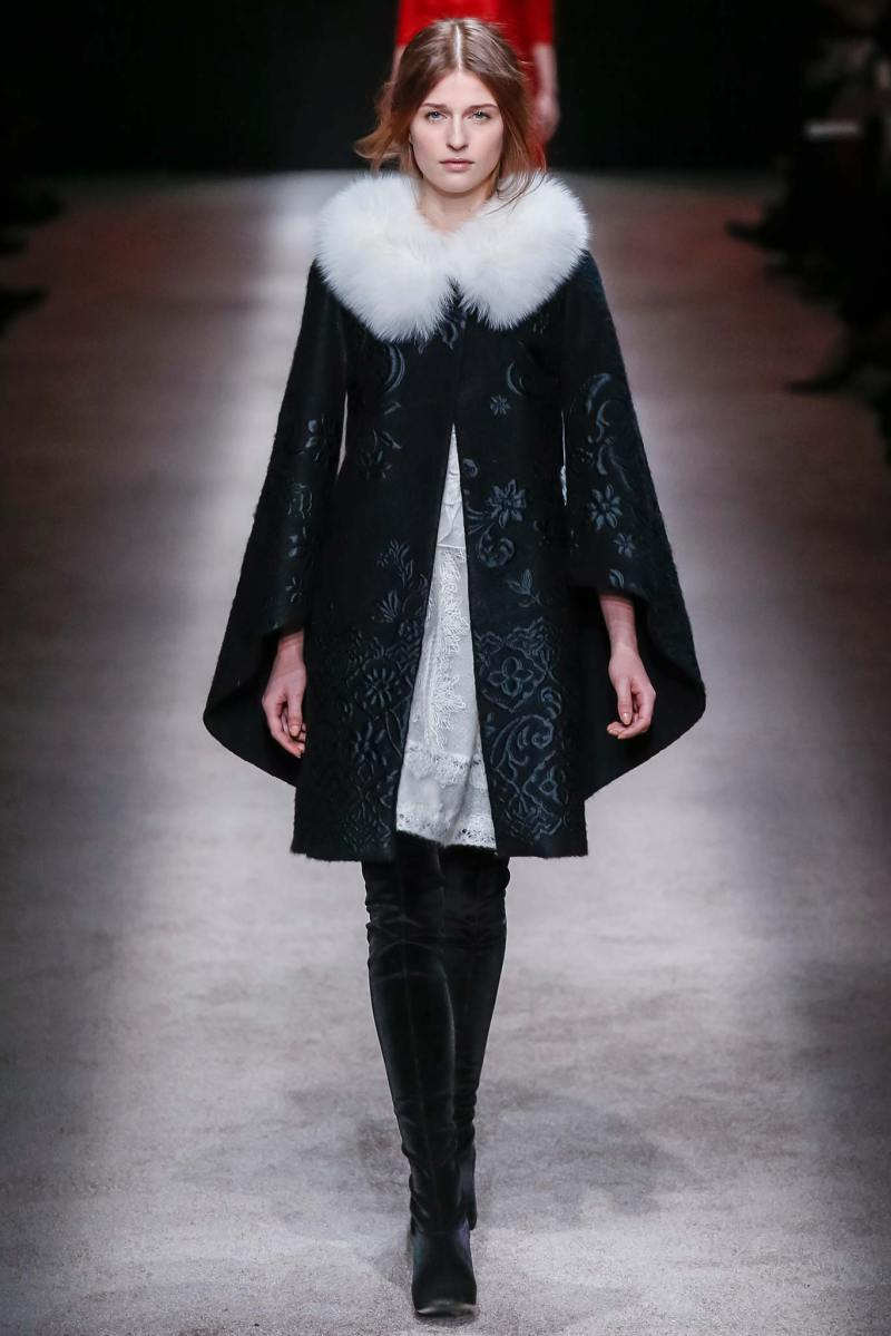Alberta Ferretti Ready to Wear FW 2015 LFW (2)