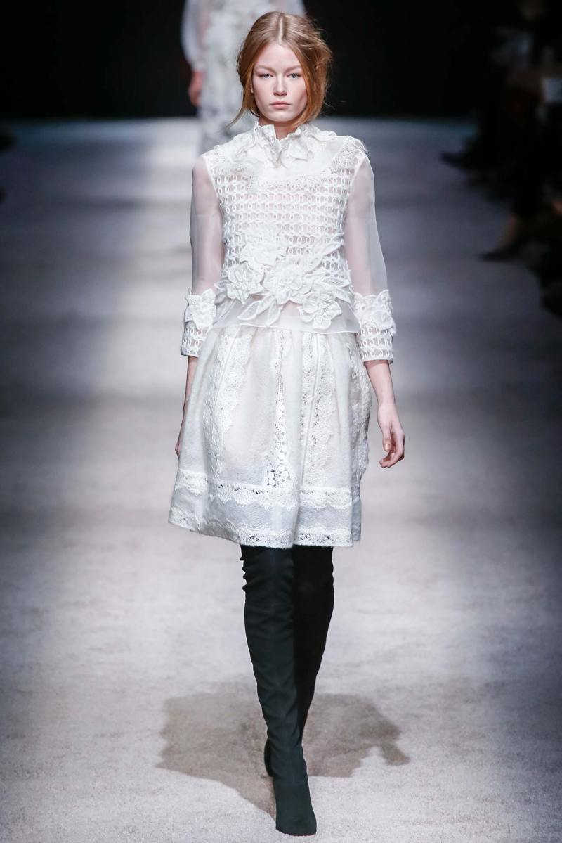 Alberta Ferretti Ready to Wear FW 2015 LFW (5)