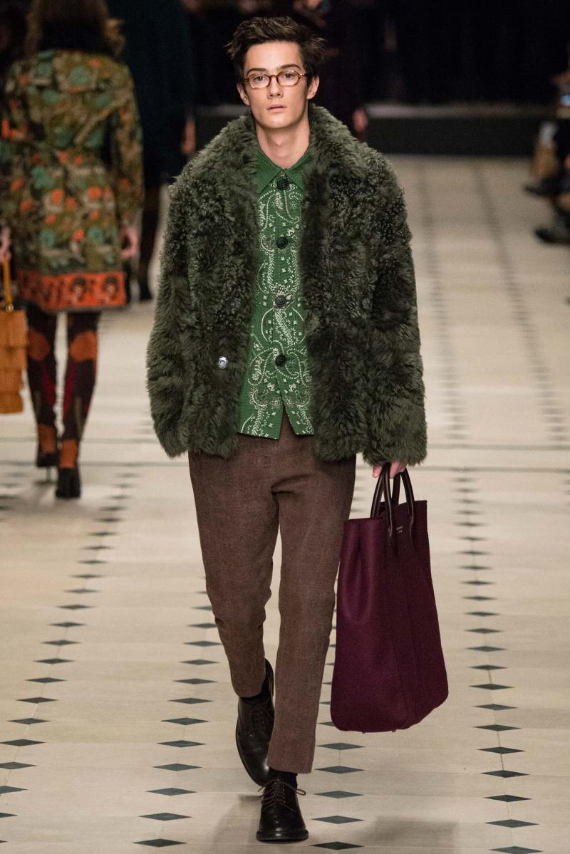 Burberry Prorsum Ready to Wear FW 2015 LFW (14)