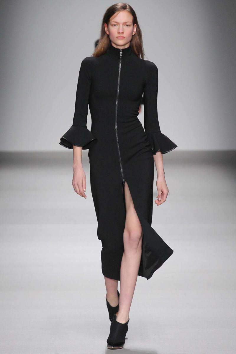 David Koma Ready to Wear FW 2015 LFW (1)