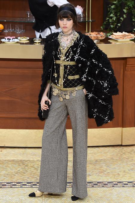 Chanel Ready to Wear FW 2015 PFW (61)