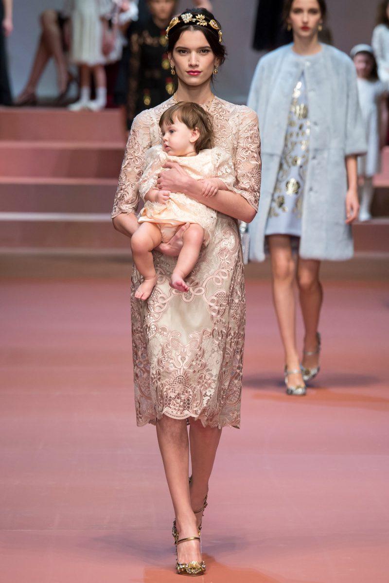 Dolce & Gabbana Ready to Wear FW 2015 MFW (8)