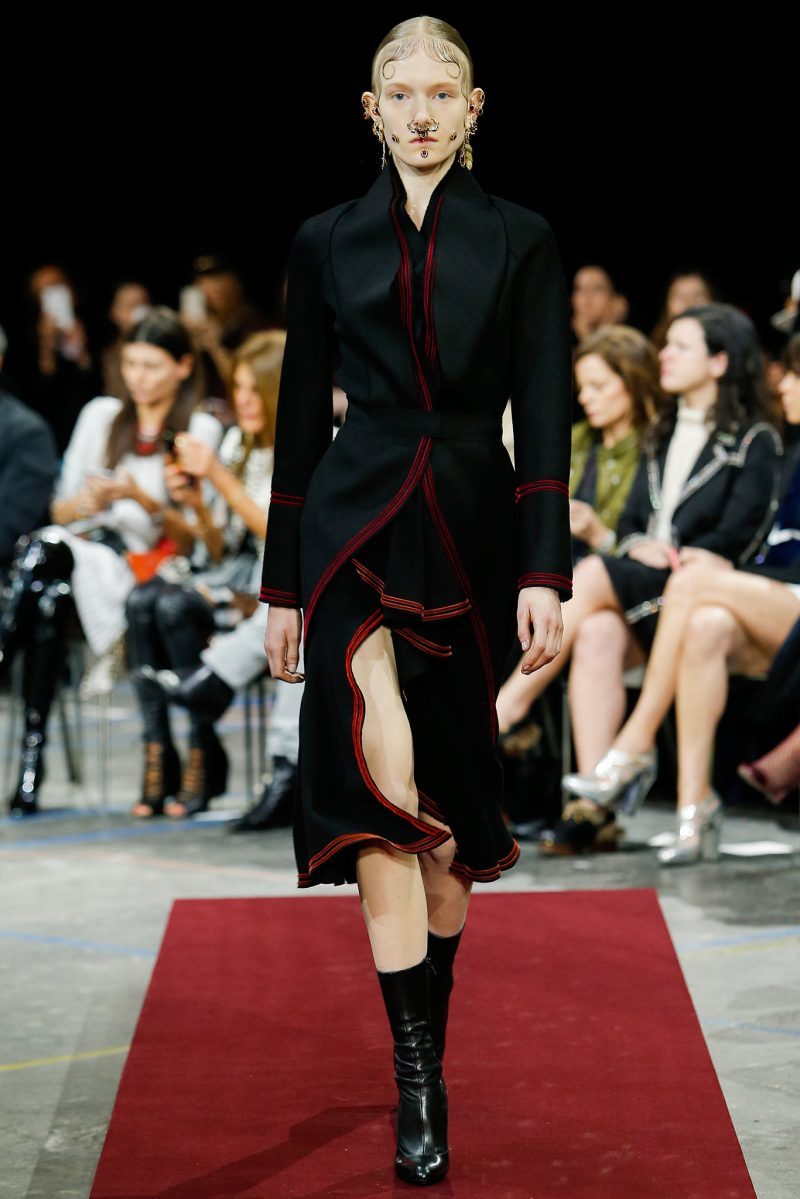 Givenchy Ready to Wear FW 2015 PFW (27)