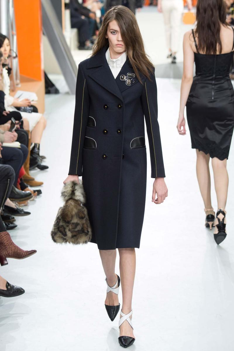 Louis Vuitton Ready to Wear FW 2015 PFW (17)