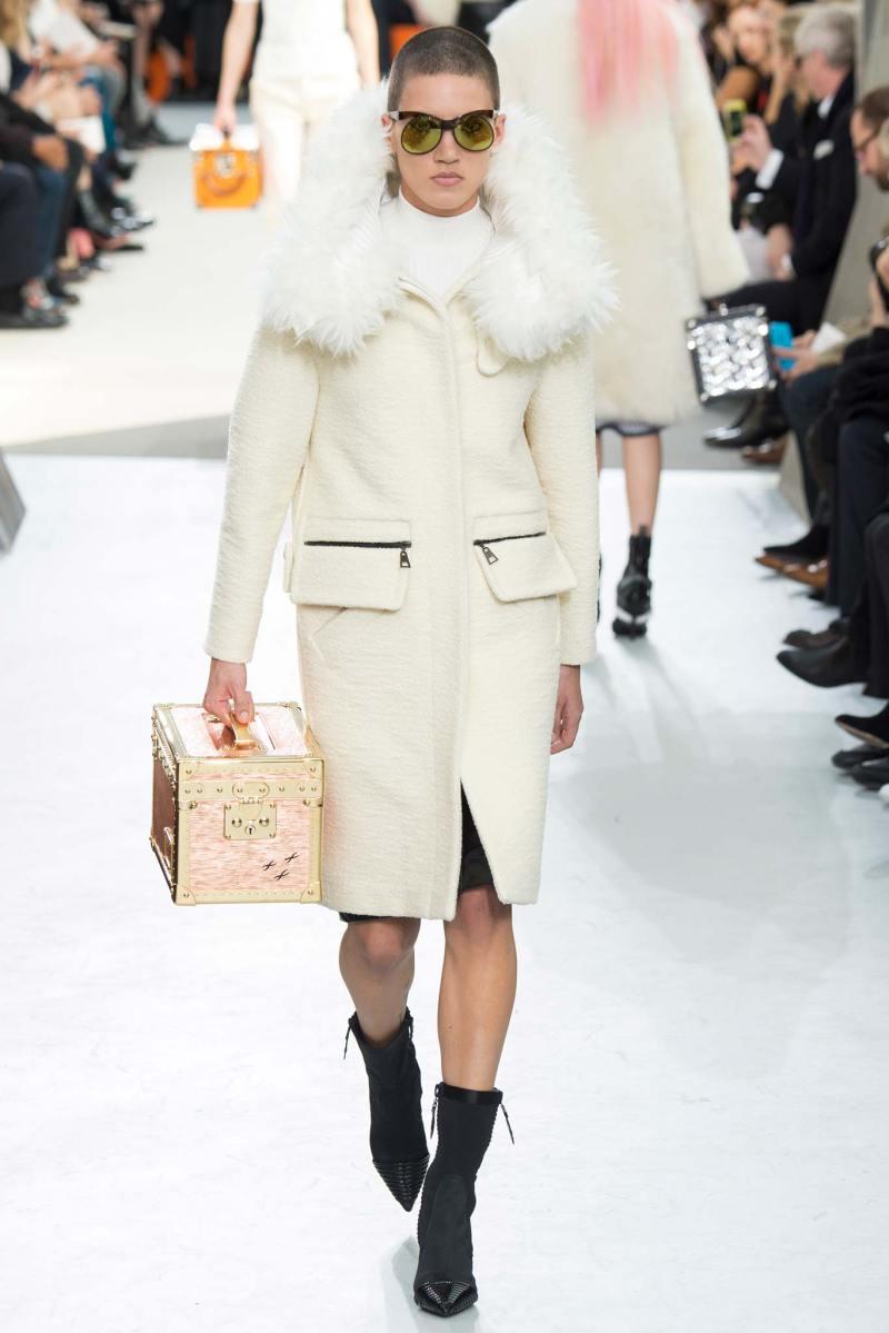 Louis Vuitton Ready to Wear FW 2015 PFW (9)