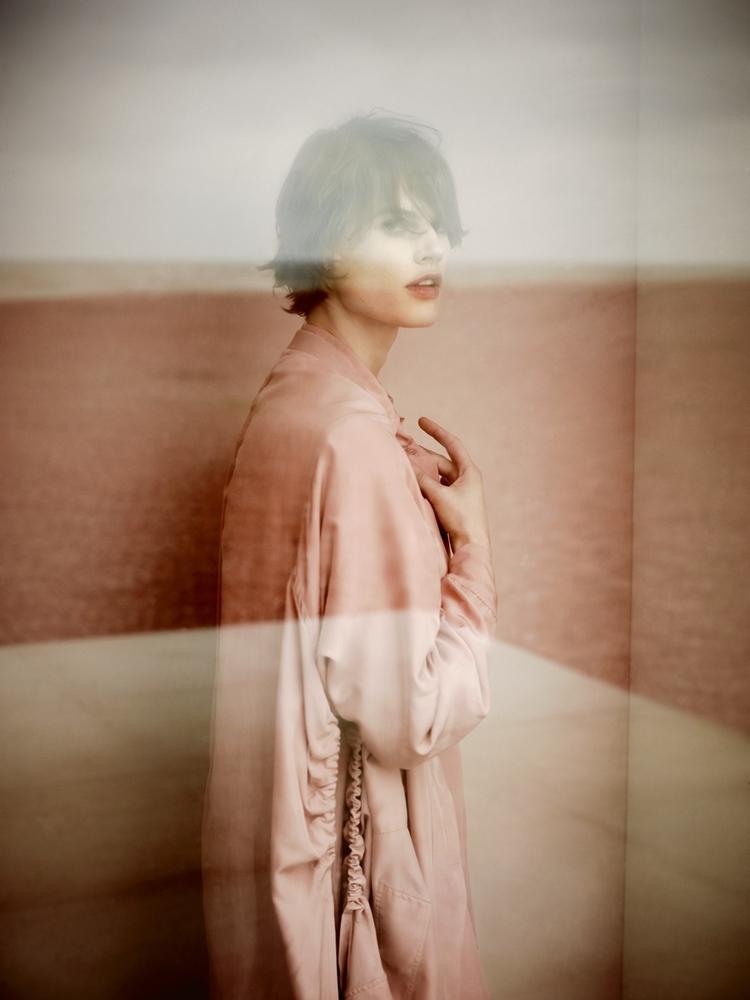 Saskia De Brauw by photographer Annemarieke Van Drimmelen (3)