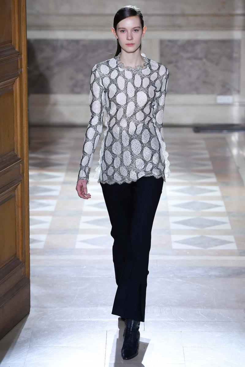Sharon Wauchob Ready to Wear FW 2015 PFW (16)