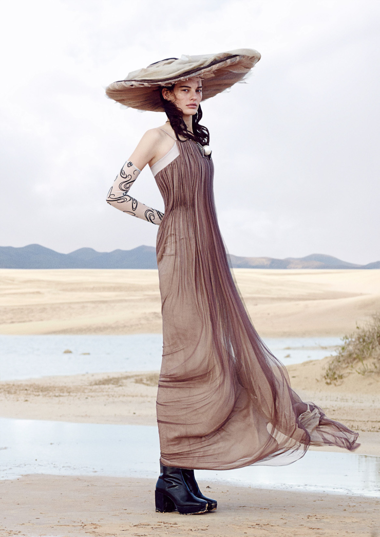 amanda-murphy-by-sean-seng-for-vogue-japan-june-2015-3