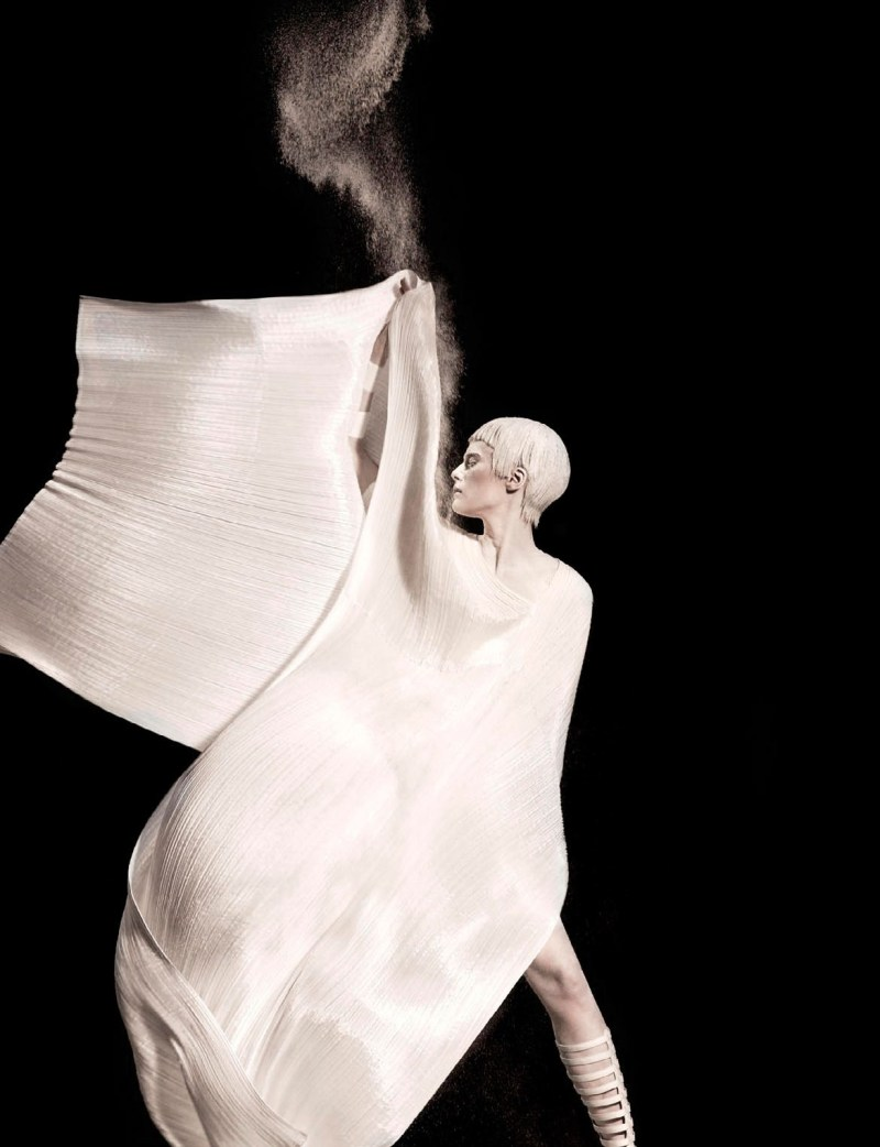 ELENA MELNIK by photographer ISHI