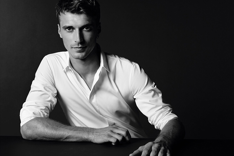 PORTS 1961 CAMPAIGN FEATURES THE WHITE DRESS SHIRT FOR SPRING 2015  (1)