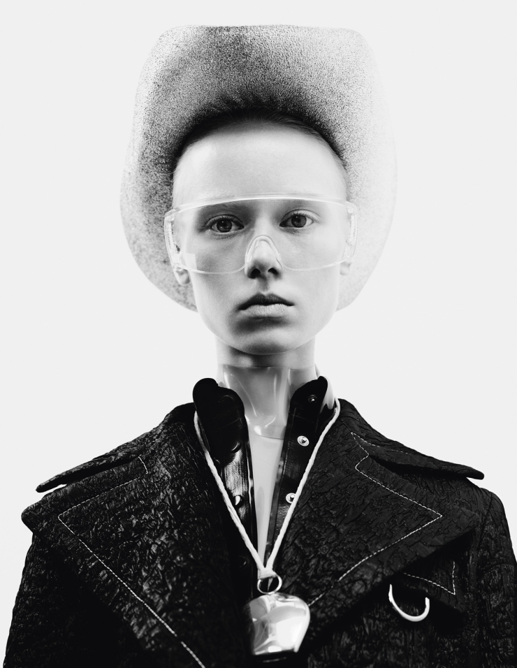 maria-veranen-by-willy-vanderperre-for-i-d-magazine-spring-2015-12