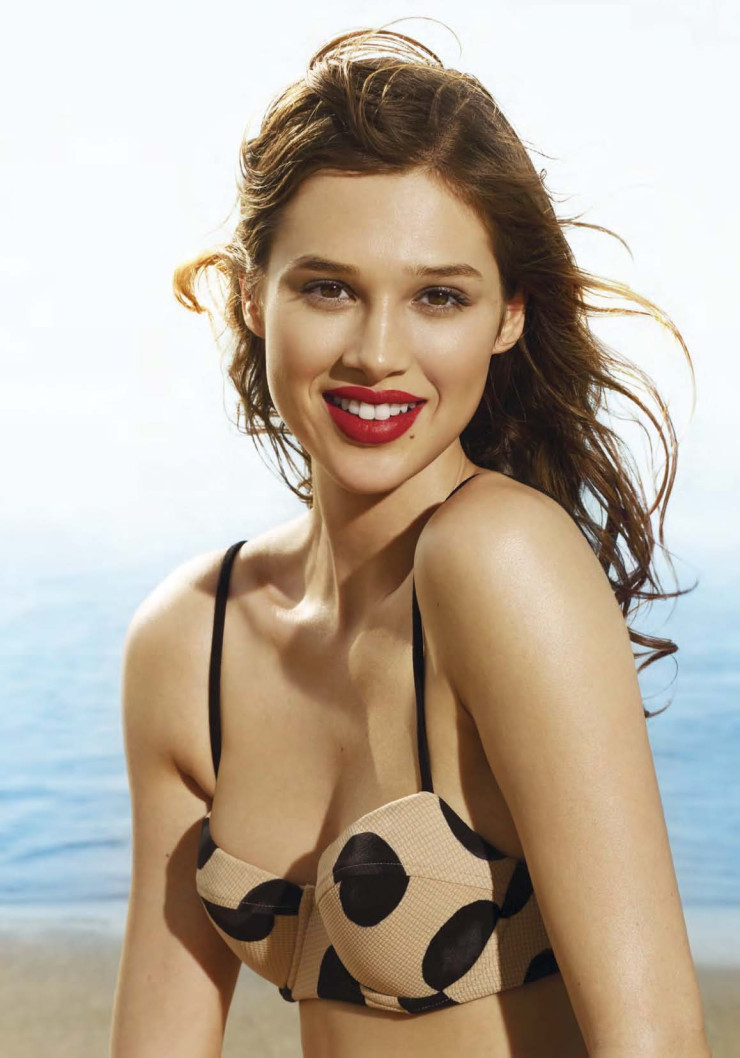 Anais Pouliot by photographer Leda & St. Jacques (11)