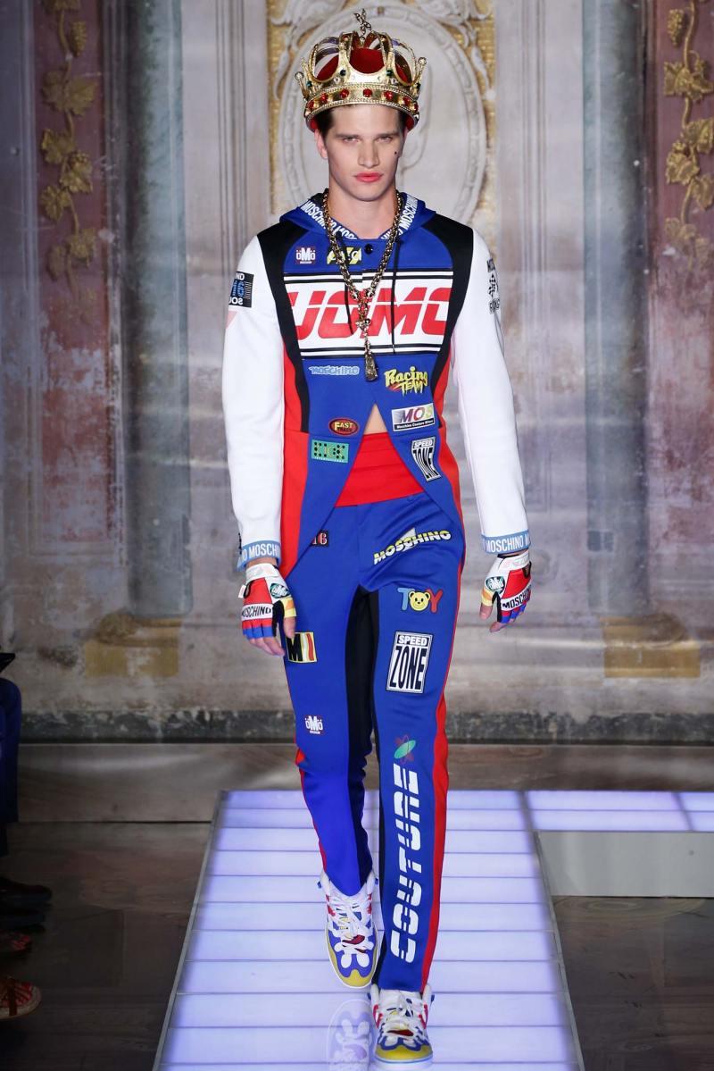 Moschino Menswear SS 2016 (1)