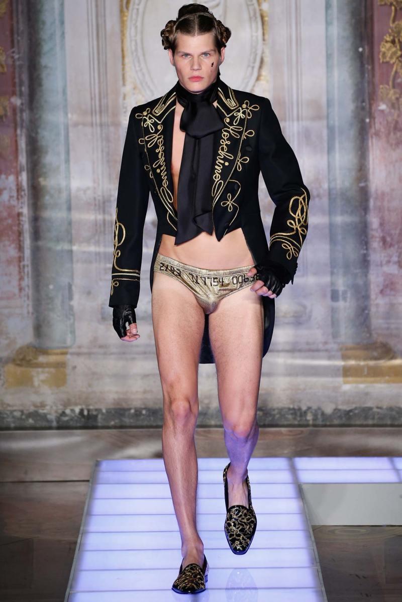 Moschino Menswear SS 2016 (17)