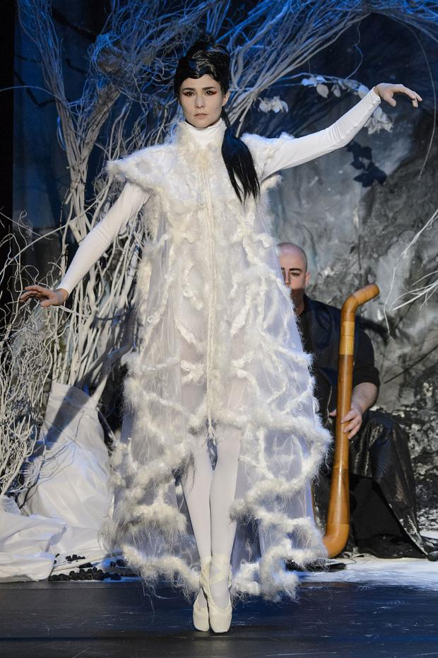 franck-sorbier-haute-couture-fall-2015-pfw8