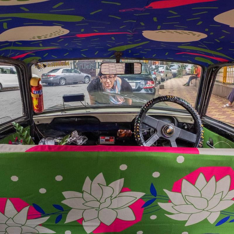 Taxi Fabric, A New Form of Exhibiting Art (6)