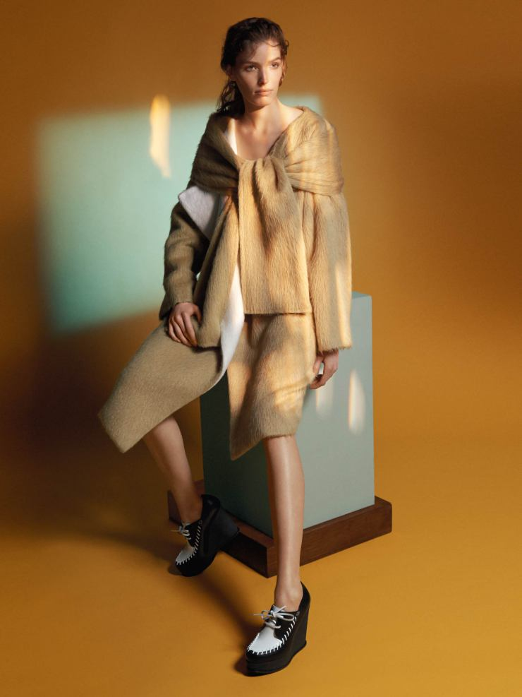 alisa-ahmann-by-david-sims-for-sportmax-fall-winter-2015-2016-9