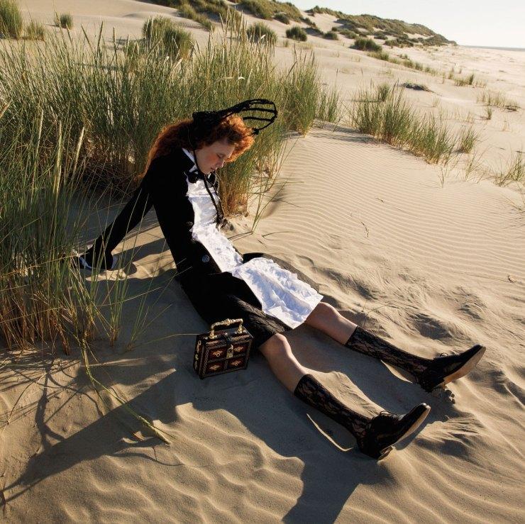 natalie-westling-by-inez-van-lamsweerde-vinoodh-matadin-for-w-magazine-september-2015-13