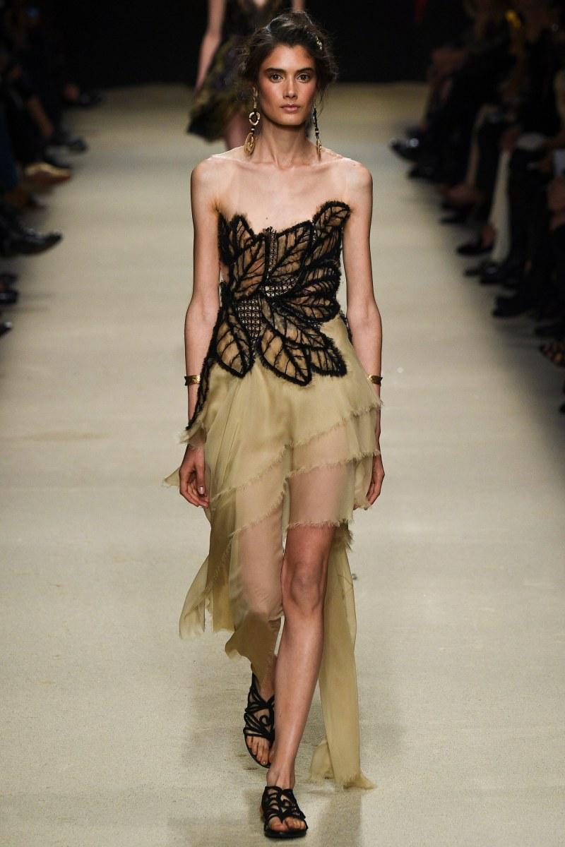Alberta Ferretti Ready To Wear SS 2016 MFW (59)