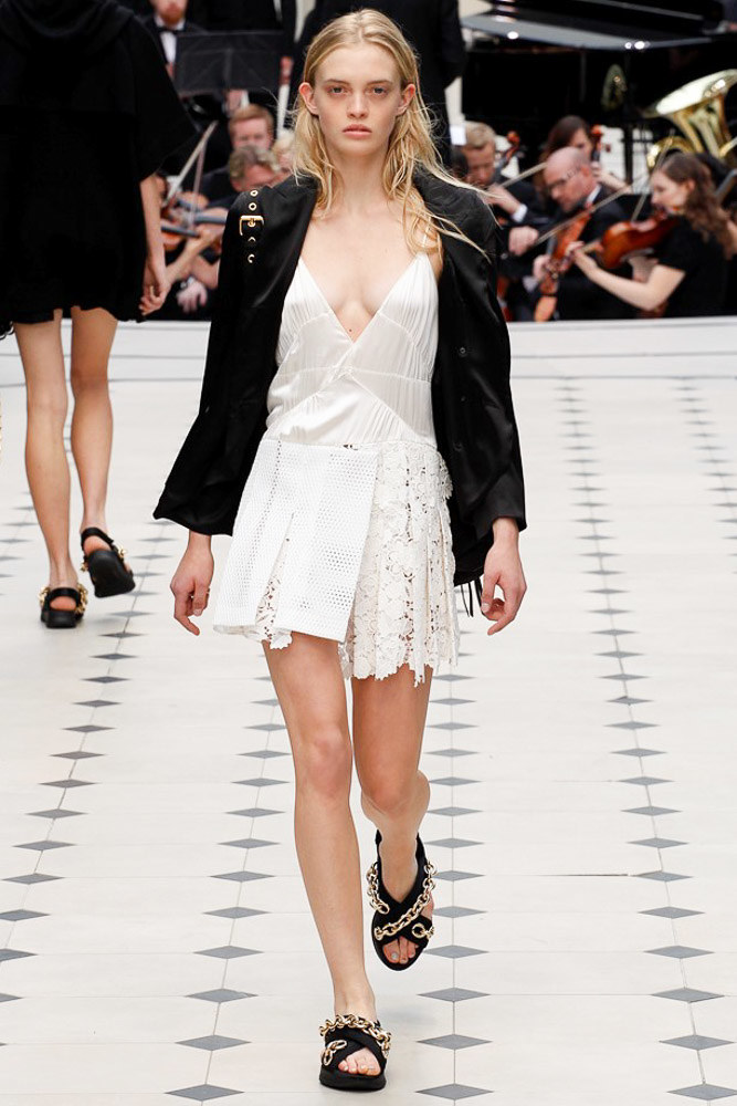 Burberry Prorsum Ready To Wear SS 2016 LFW (37)