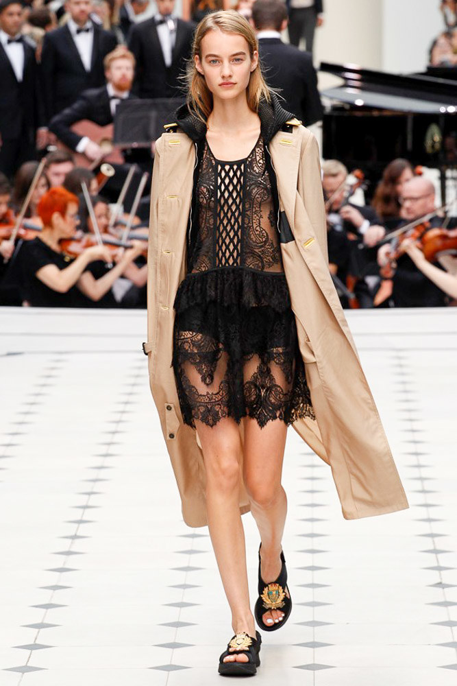 Burberry Prorsum Ready To Wear SS 2016 LFW (4)