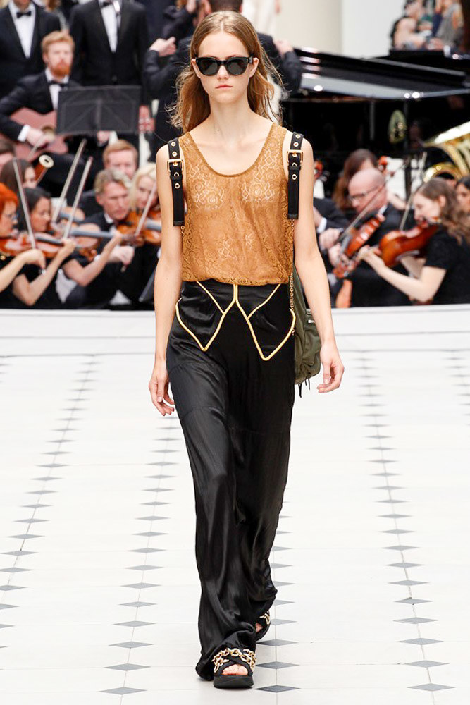 Burberry Prorsum Ready To Wear SS 2016 LFW (8)