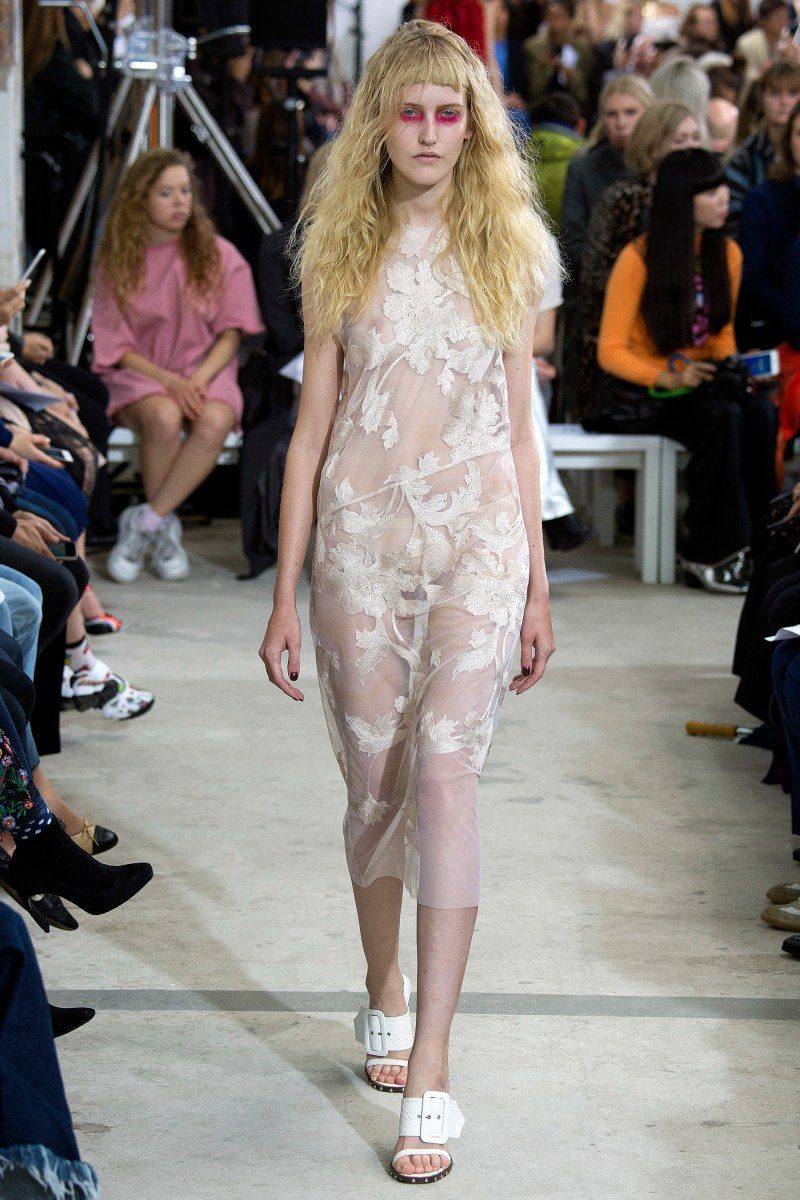 Marques'Almeida Ready To Wear SS 2016 LFW (9)