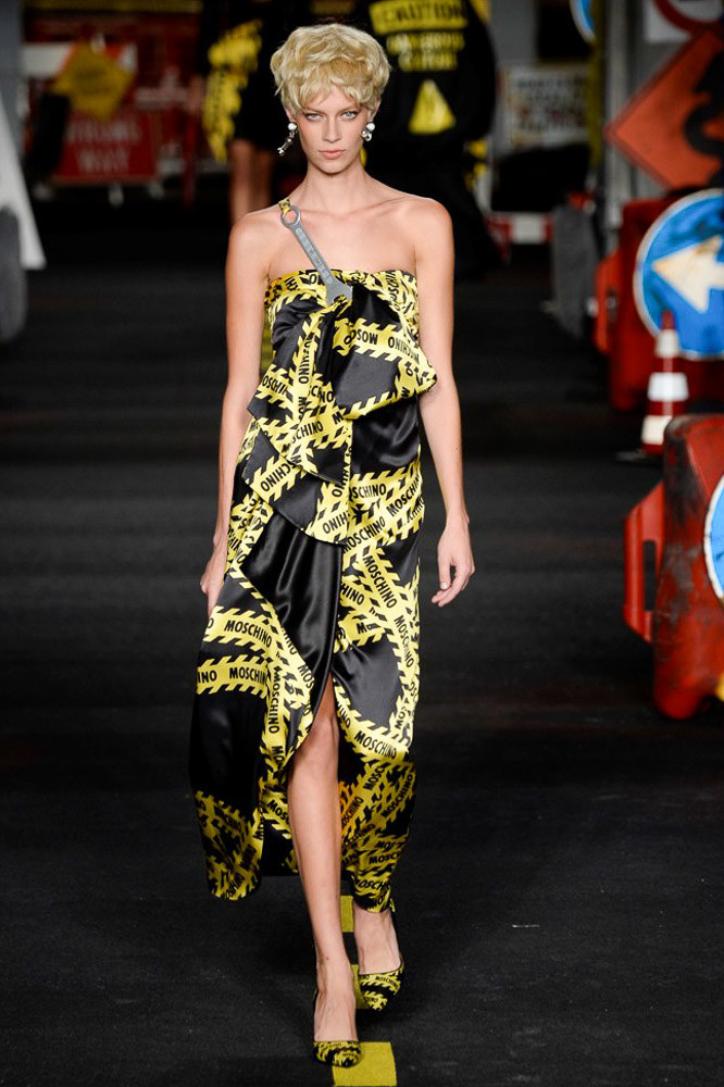 Moschino Ready To Wear SS 2016 MFW (30)