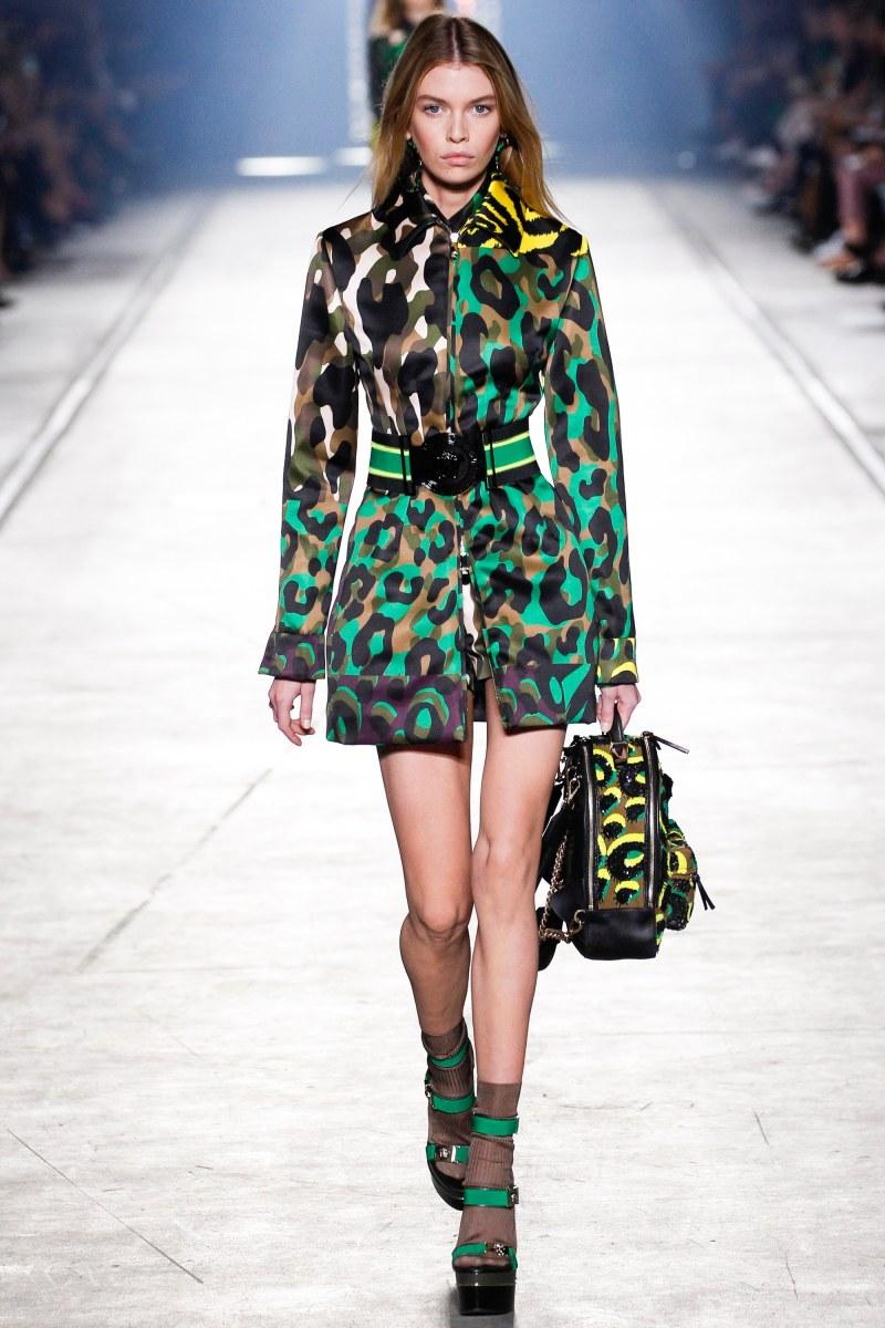 Versace Ready To Wear SS 2016 MFW (31)