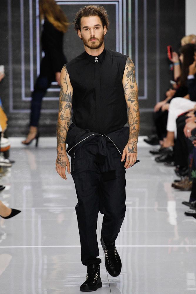 Versus Versace Ready To Wear SS 2016 LFW (6)