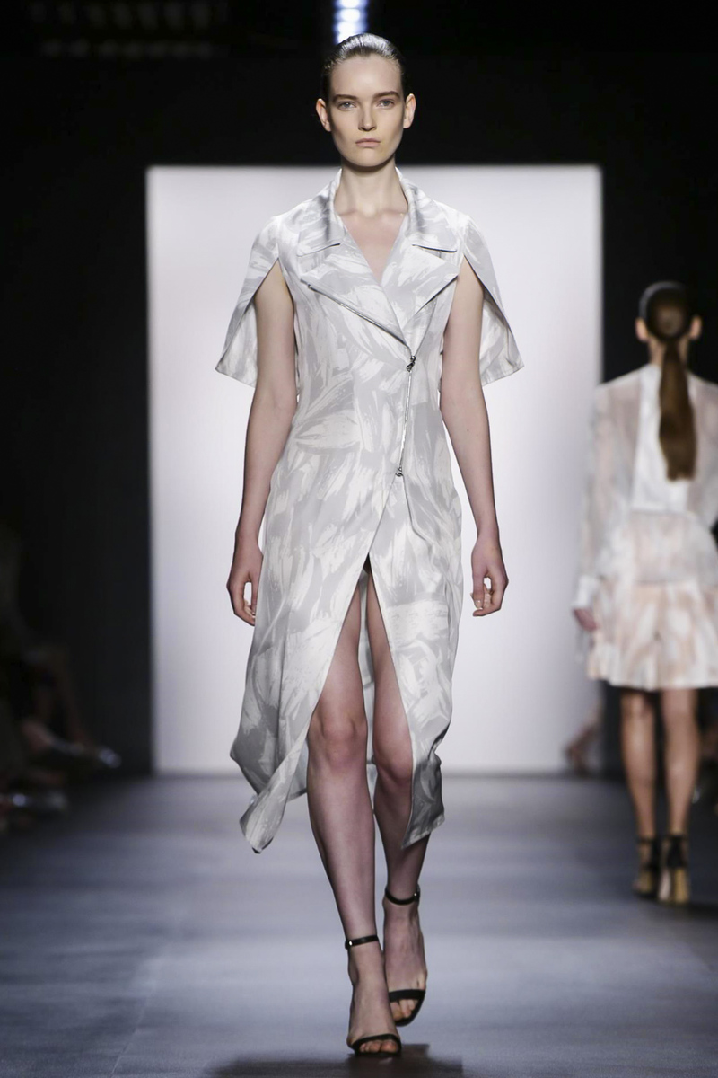 Yigal Azrouel Fashion Show Ready to Wear Collection Spring Summer 2016 in New York