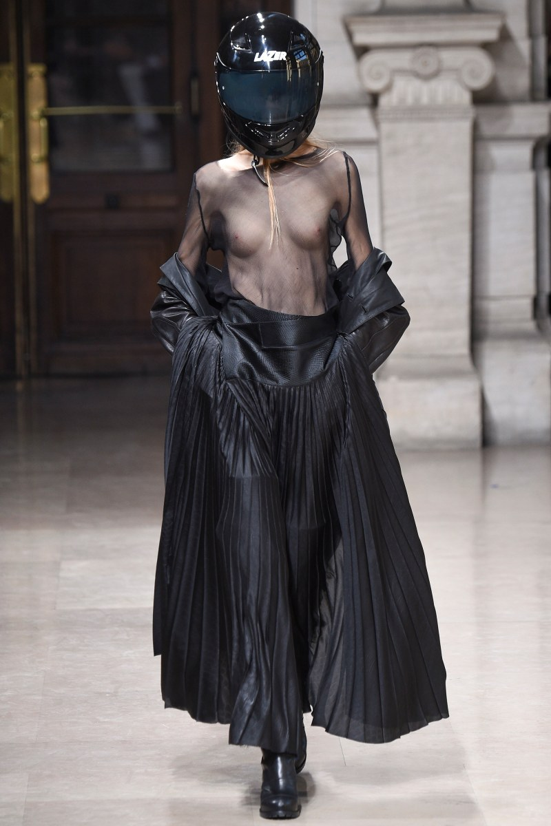 A.F. Vandevorst Ready To Wear SS 2016 PFW (13)