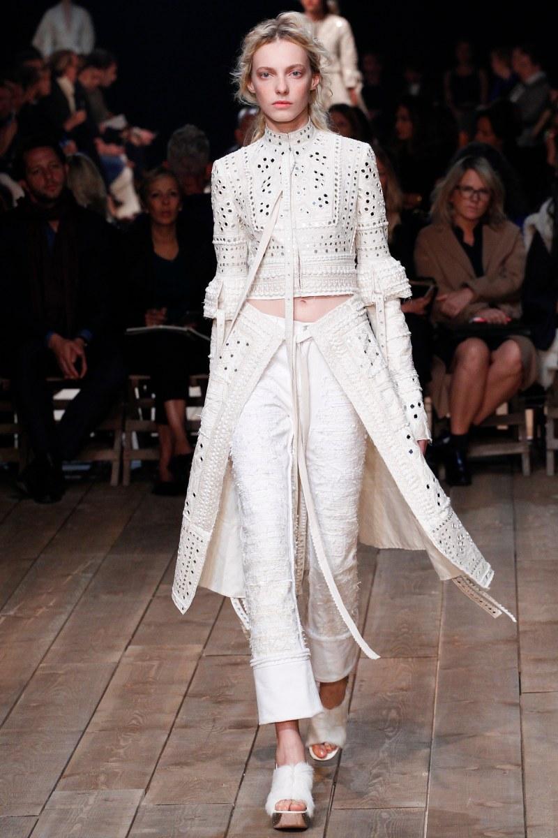 Alexander McQueen Ready To Wear SS 2016 PFW (21)