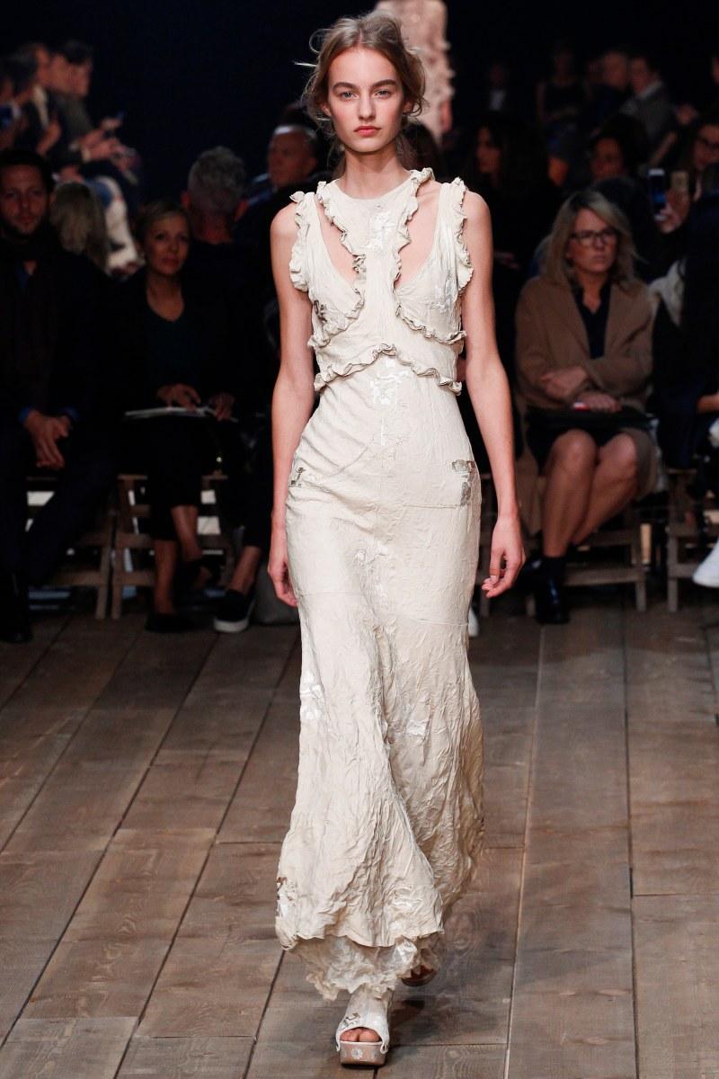 Alexander McQueen Ready To Wear SS 2016 PFW (3)