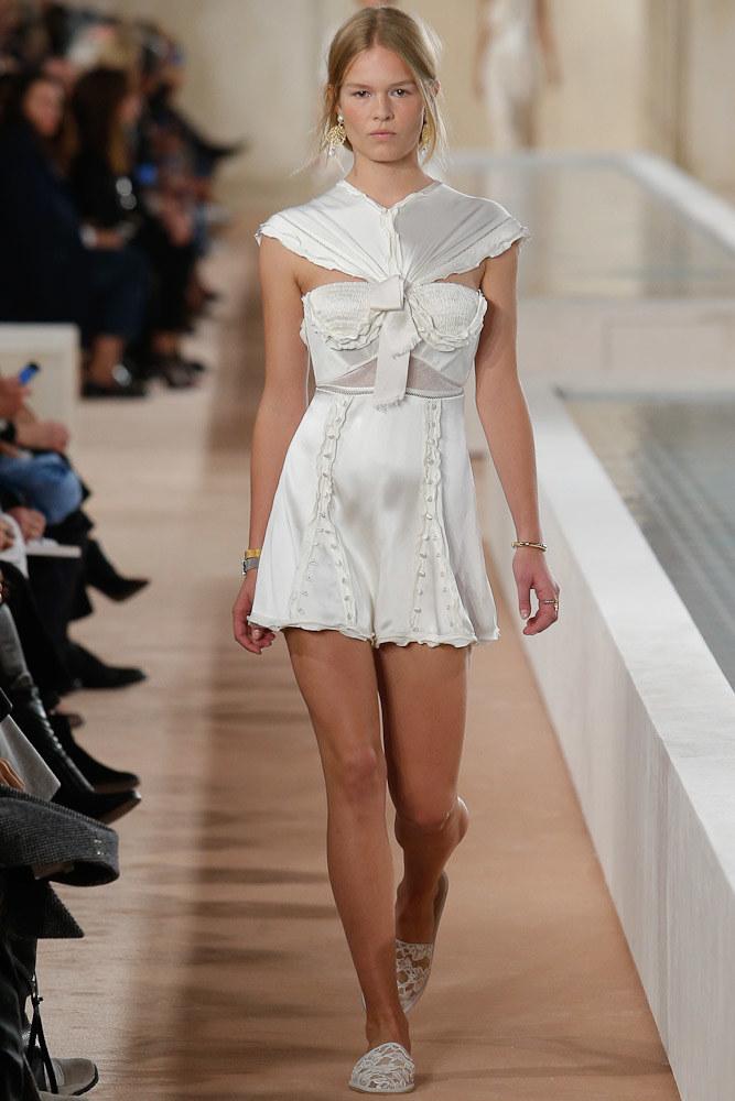 Balenciaga Ready To Wear SS 2016 PFW (1)