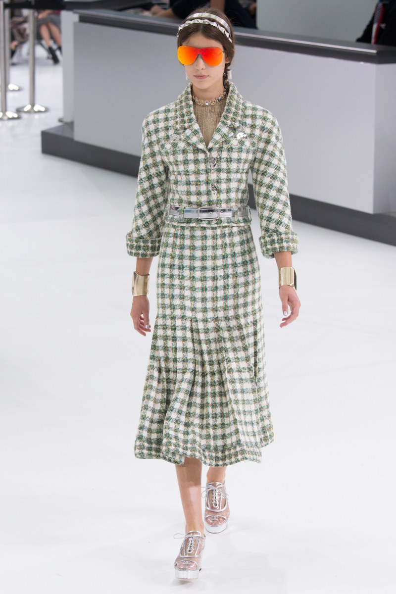Chanel Ready To Wear SS 2016 PFW (14)
