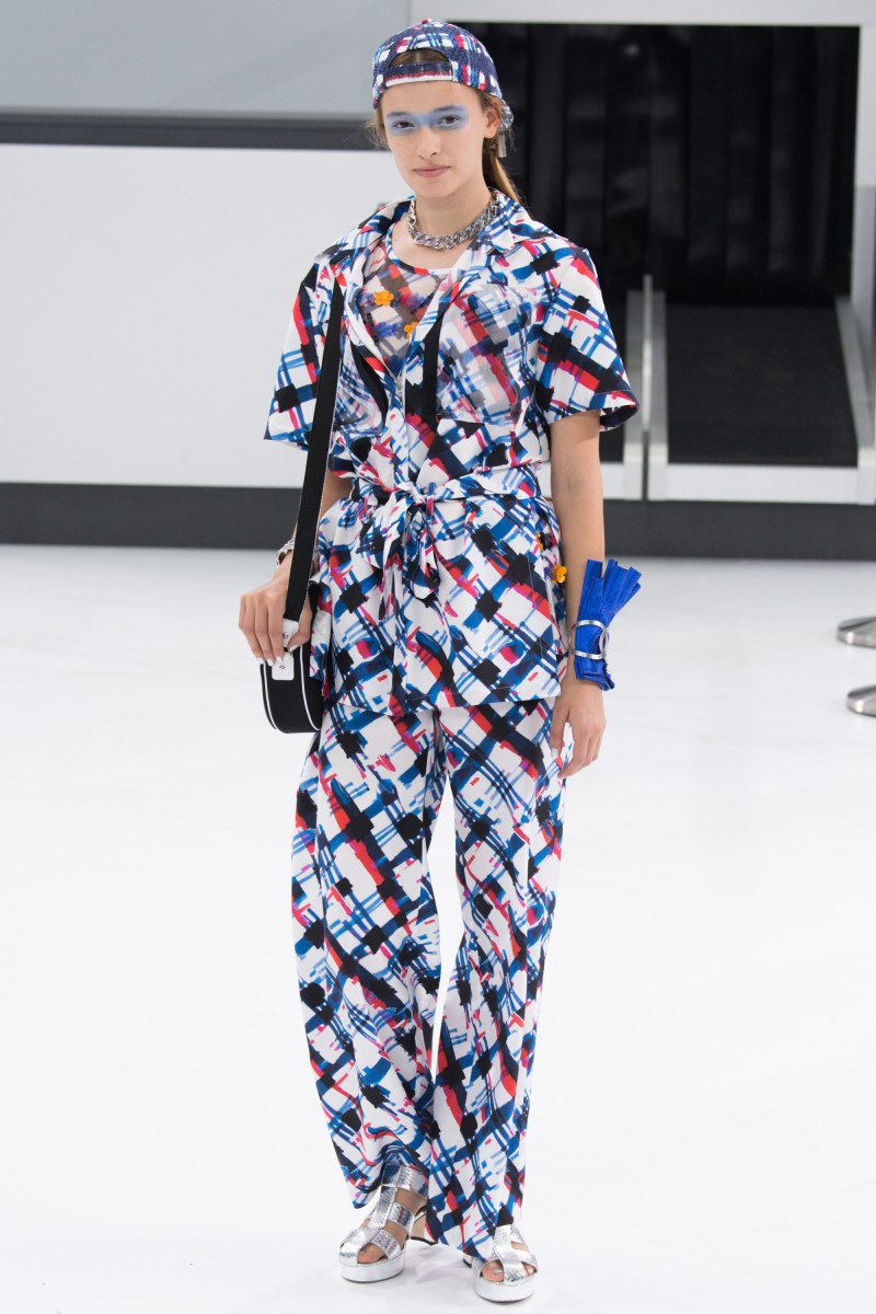 Chanel Ready To Wear SS 2016 PFW (19)