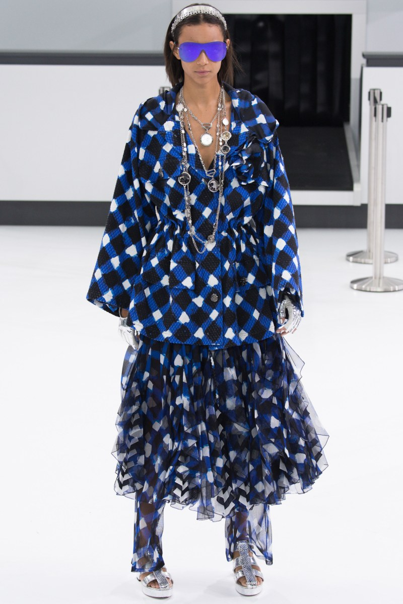 Chanel Ready To Wear SS 2016 PFW (21)