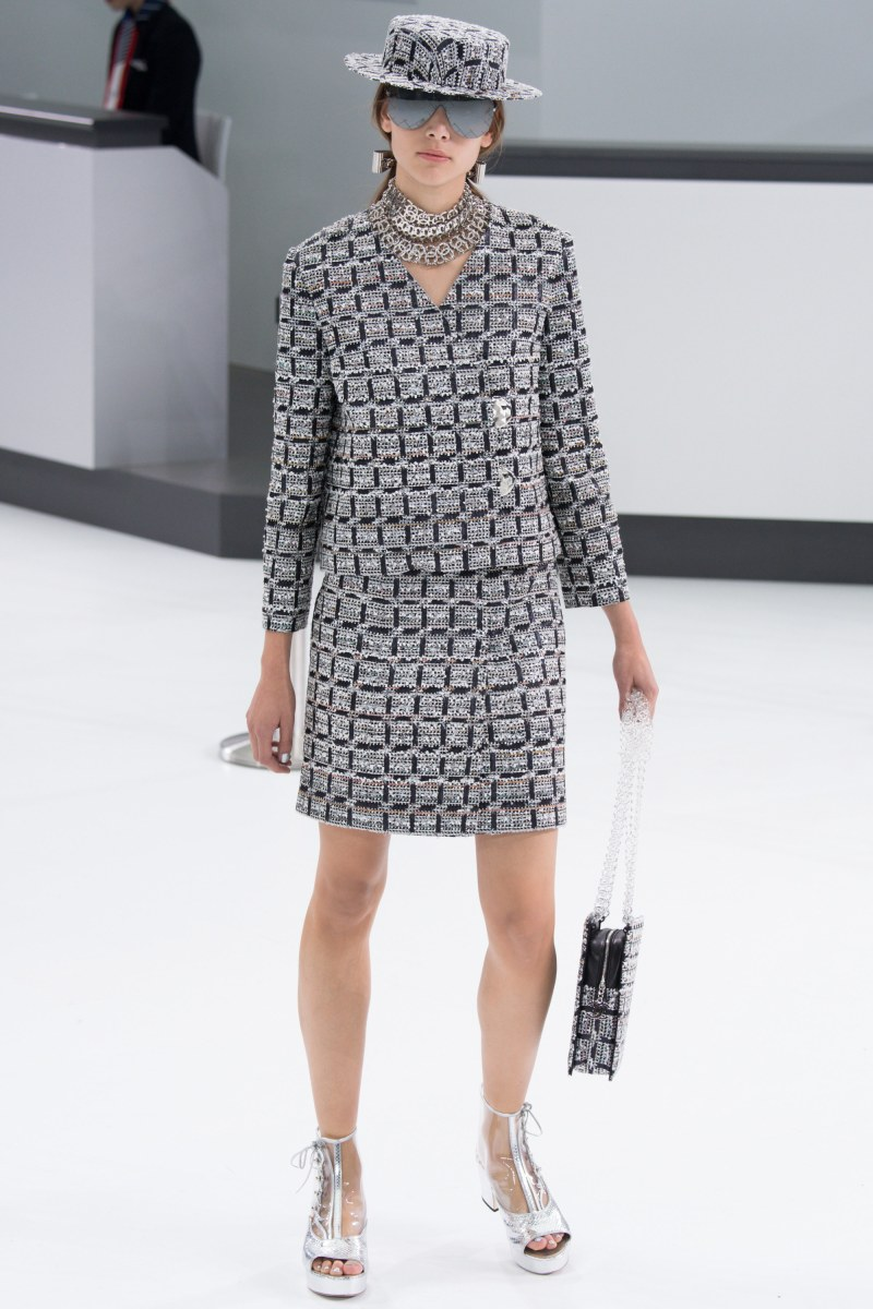 Chanel Ready To Wear SS 2016 PFW (39)