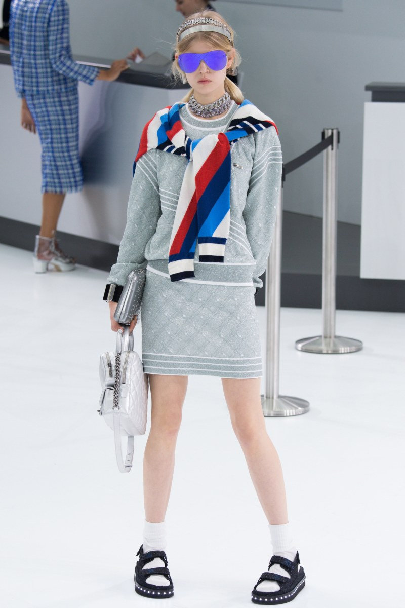 Chanel Ready To Wear SS 2016 PFW (43)