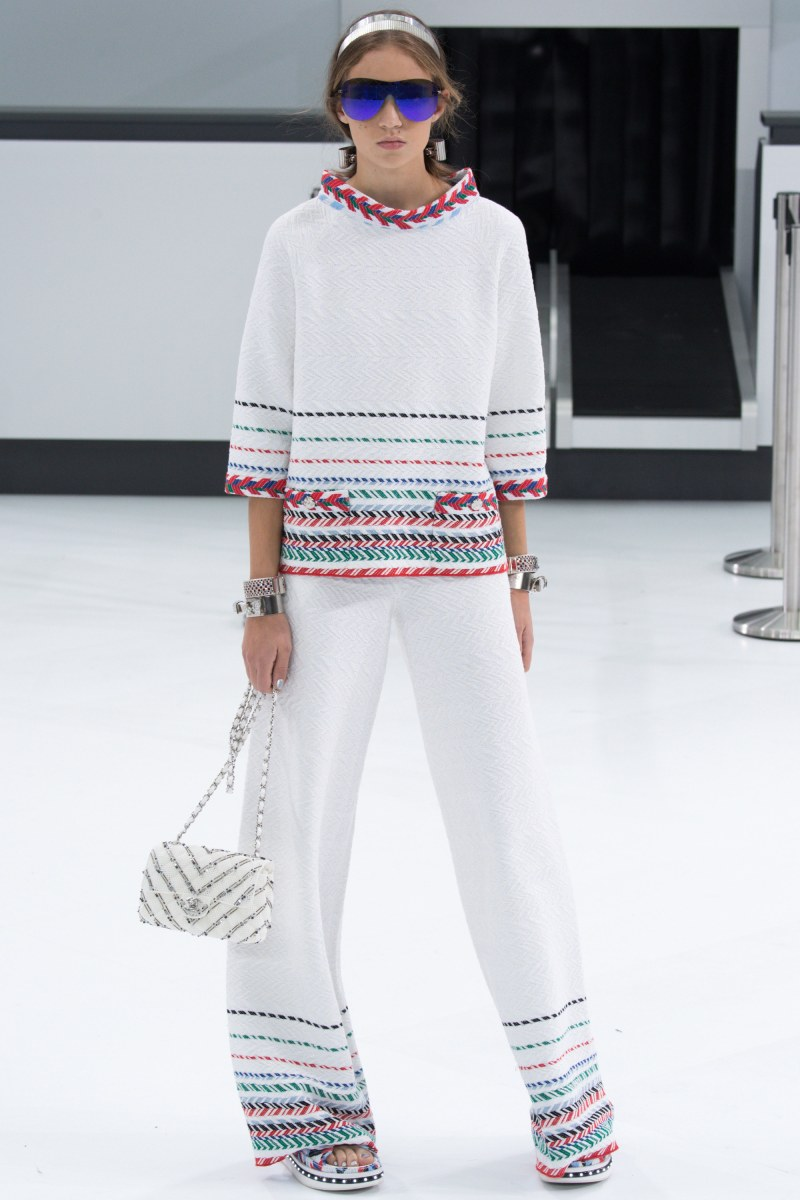 Chanel Ready To Wear SS 2016 PFW (44)