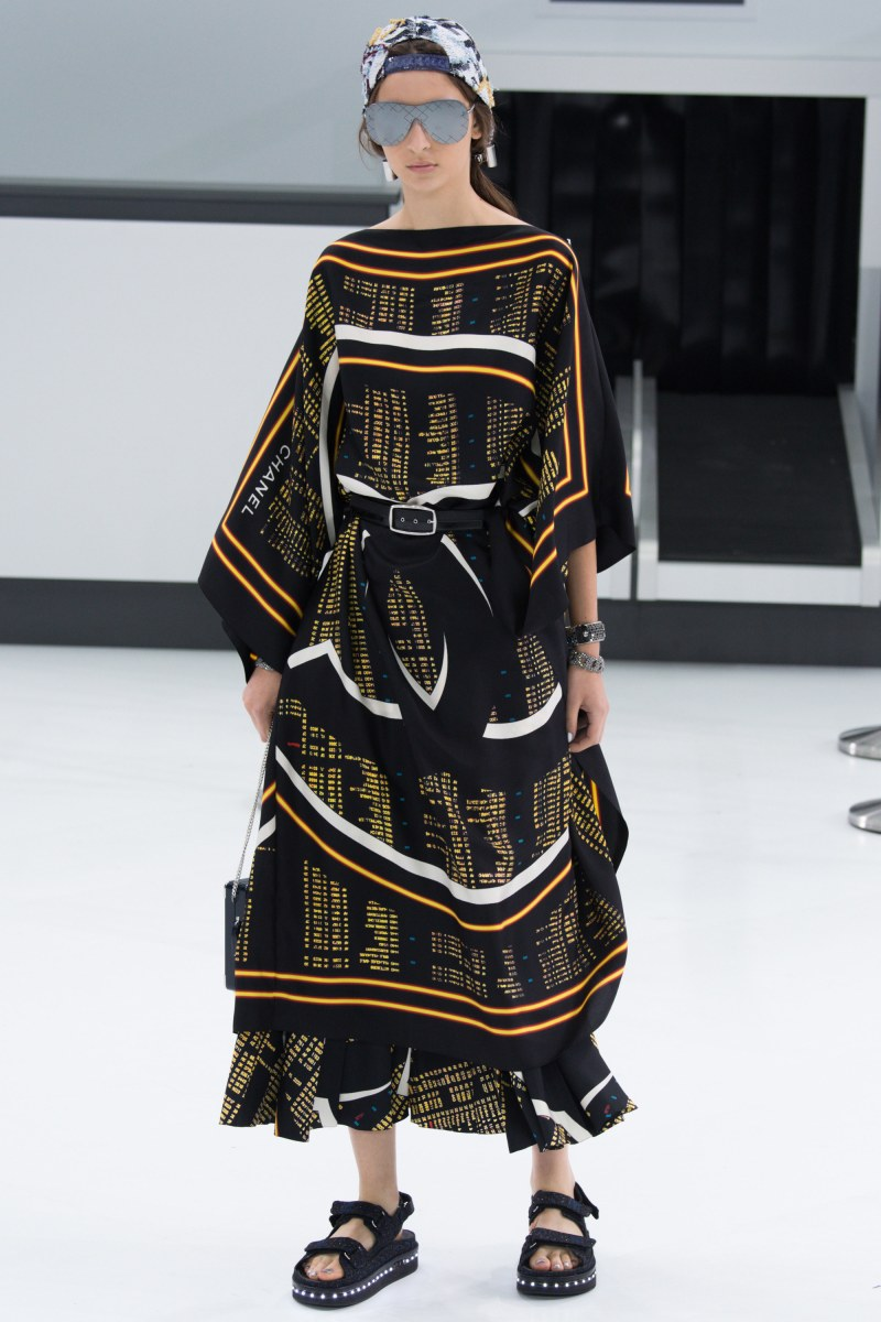 Chanel Ready To Wear SS 2016 PFW (46)
