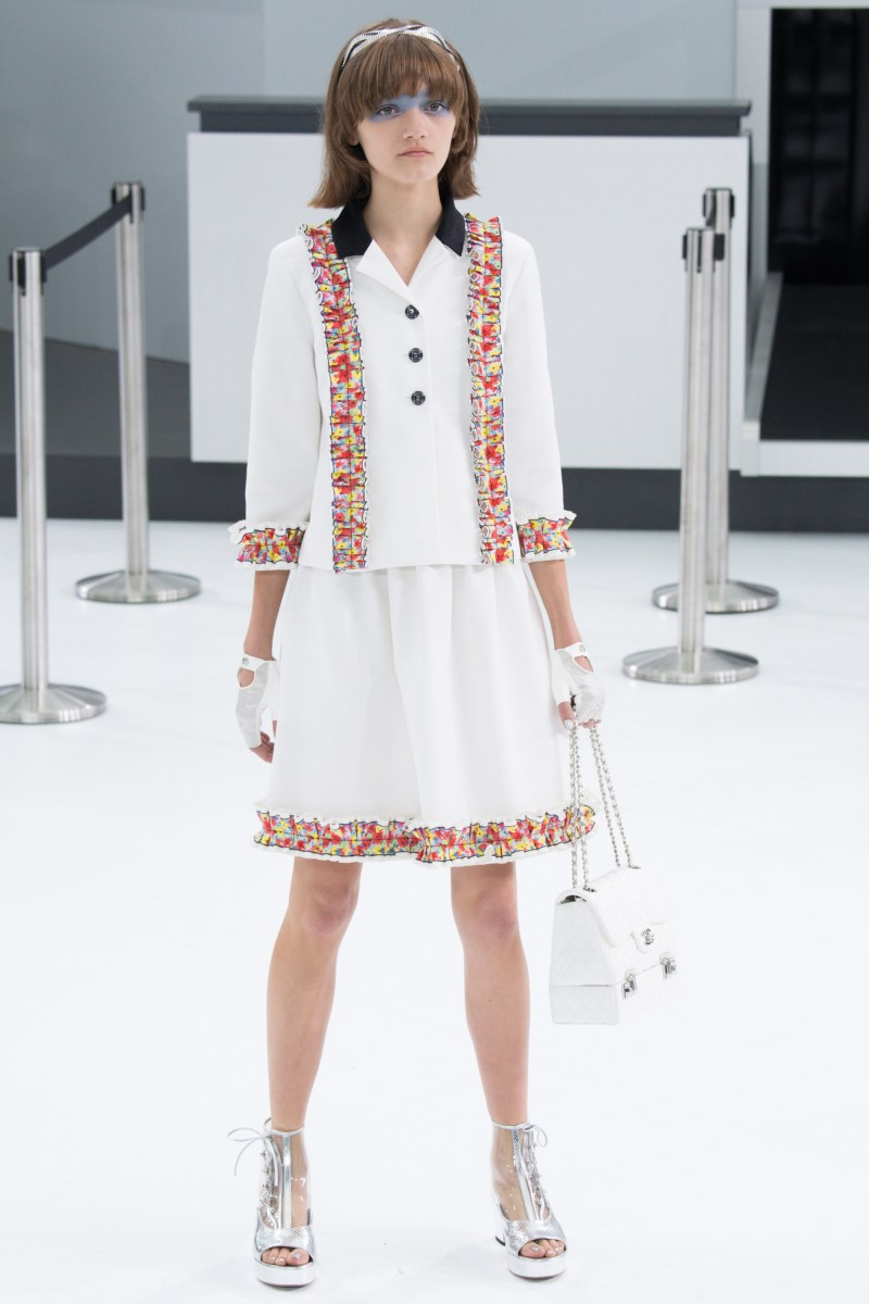 Chanel Ready To Wear SS 2016 PFW (60)