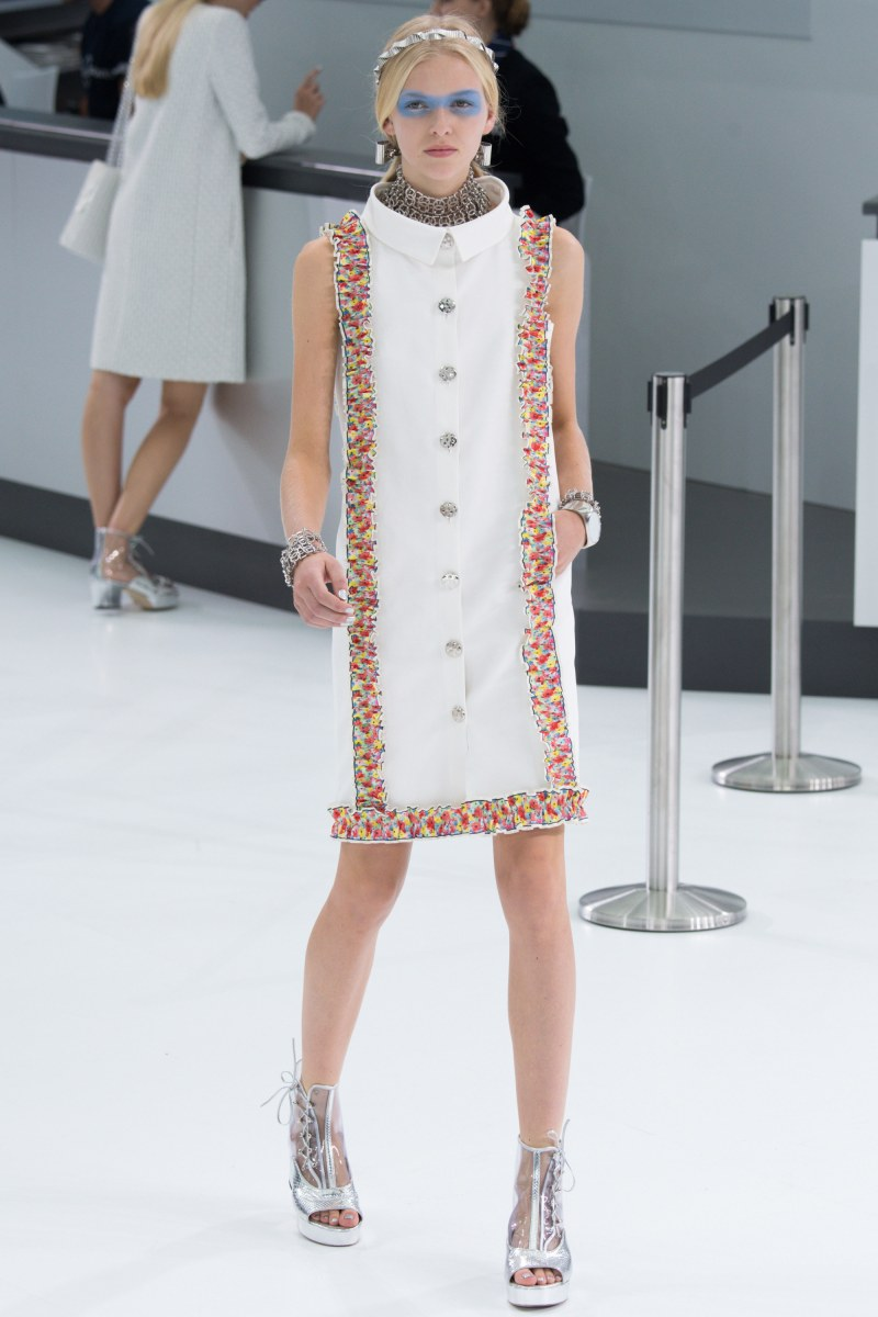 Chanel Ready To Wear SS 2016 PFW (62)